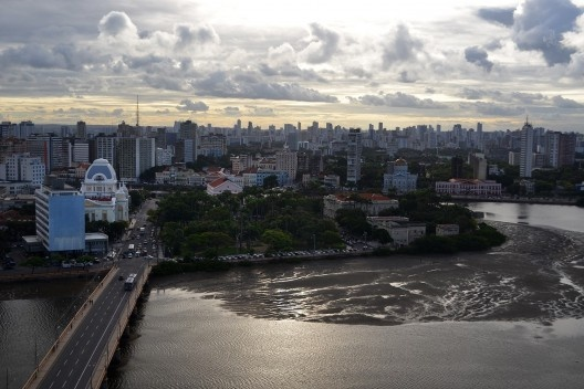 Rio Capibaribe, Recife<br />Foto Elvis Boaventura  [Wikimedia Commons]