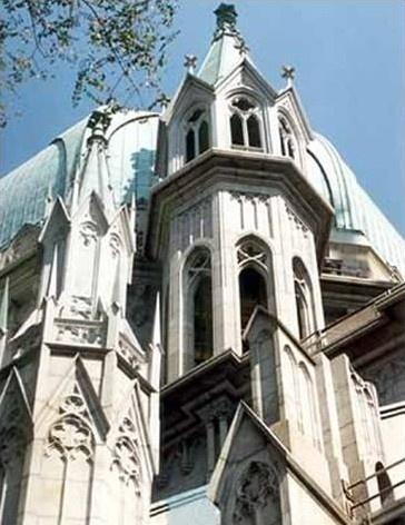 Novas torres da Catedral da Sé, São Paulo. Arq. Paulo Bastos