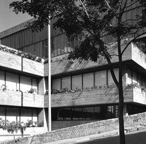 Masp – Museu de Arte de São Paulo, 1958. Lina Bo Bardi