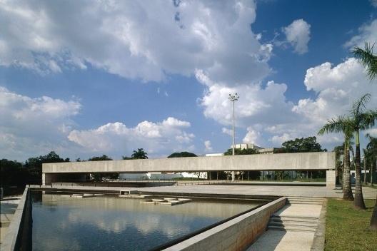 Museu Brasileiro de Escultura – MuBE, São Paulo, arquiteto Paulo Mendes da Rocha<br />Foto Nelson Kon
