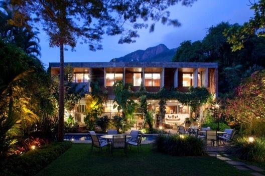 Casa Celso Colombo, Rio de Janeiro, rquiteto Marcello Fragelli<br />Foto Nelson Kon