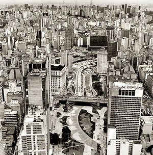 Vale do Anhangabaú, São Paulo<br />Foto Nelson Kon