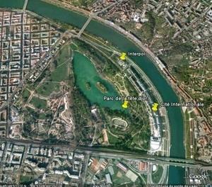 Localização da Cité Internationale e da Interpol em relação ao Parc de la Tête d'Or. Imagem trabalhada pela autora a partir do Google Earth, em 03 de outubro de 2008.