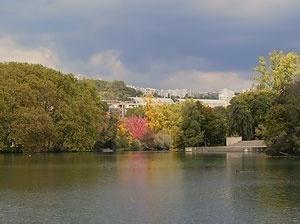 lago vendo-se ao fundo a Cité Internationale, outono 2008<br />Foto: Jovanka Baracuhy C. Scocuglia