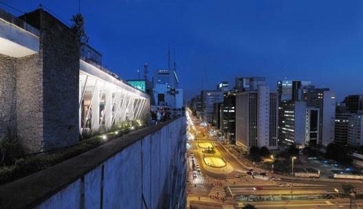 Vista do Edifício Anchieta para a Avenida Paulista<br />Foto Victor Hugo Mori