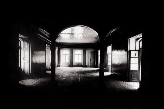 Salão no primeiro andar do edifício do jornal A Tribuna, Recife PE, 1943<br />Foto Benicio Whatley Dias  [Iphan, 5a Superintendência Estadual]