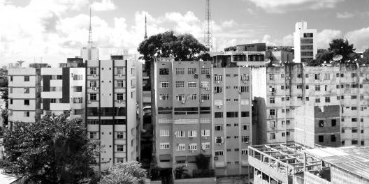 Edifícios à rua Professor Severo Pessoa, Federação, seguindo os mesmos princípios dos Edifícios Cláudia, Rosa Rejane e Rosa Regina<br />Foto Márcio Correia Campos