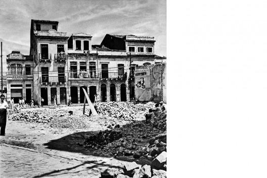 Pátio do Paraíso e sede da Associação da Imprensa de Pernambuco, Recife PE, 1946<br />Foto Benicio Whatley Dias  [Fundaj, ME]