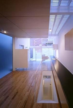 Hall e acesso aos sanitários<br />Foto Tomotsu Kuruwada