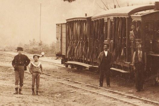 Chegada de um trem na estação da Cantareira, detalhe, c.1895 <br />Foto divulgação  [Acervo pessoal]