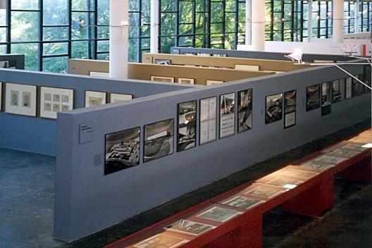 """Exposição """"Jorge Machado Moreira"""" na 3ª Bienal Internacional de Arquitetura e Urbanismo de São Paulo. Curadoria de Jorge Czajkowski, 1999<br />Foto divulgação  [CAU SMU PCRJ]"""