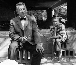 Nina y Gordon Bunshaft en la construcción de su casa de East Hampton, Nueva York<br />Foto:Hans Namuth, imagem gentilmente cedida por Peter Namuth para este artigo