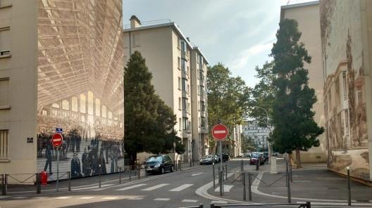 Painéis do Museu Urbano Tony Garnier, Lyon, França<br />Foto Maria Isabel Imbronito, 2019