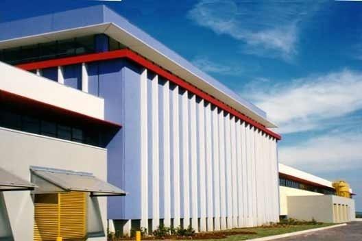 Tramontina TEEC S.A, Carlos Barbosa-RS, Equipe de Arquitetos - Carlos M. Fayet, Cláudio L. G. Araújo, Sandra Boeira, Daniel F. Pitta, 1997/98 [Acervo Fayet]