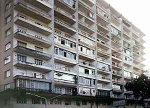 Edifício Palácio do Rádio, arquiteto Judah Levy, Belém<br />Foto Giovanni Blanco, 2001