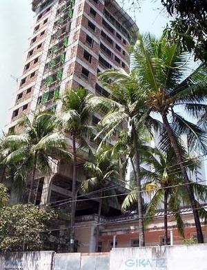 Edifício Maria Clementina Vianna, edifício em construção<br />Foto Claudia Loureiro, 2004