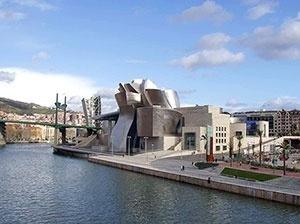 Museu Guggenheim de Bilbao, Espanha. Arquiteto Frank Gehry [IADAT]