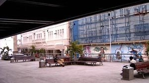 Vereda do Palácio Thomé de Souza: a praça e sua apropriação<br />Foto Daniel J. Mellado Paz