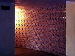 Hall do edifício. Azulejos do arquiteto Delfim Amorim