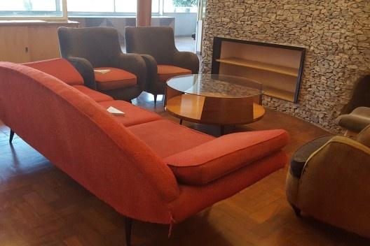 Residência Juscelino Kubistchek, sofá, Belo Horizonte. Arquiteto Oscar Niemeyer<br />Foto Rose Guedes
