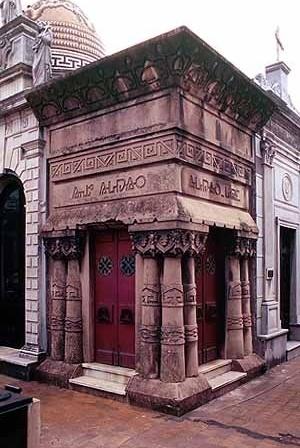 Mausoleo Aldao. Cementerio de la Recoleta, Buenos Aires (Argentina).