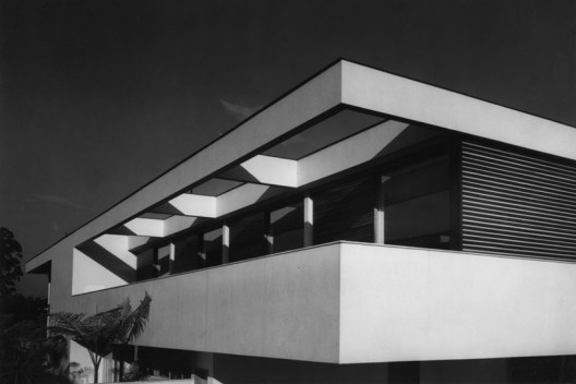 Residência Joseph Khalil Skaf, São Paulo, 1958. Arquiteto David Libeskind<br />Foto José Moscardi  [BRASIL, Luciana. David Libeskind, Romano Guerra/Edusp]