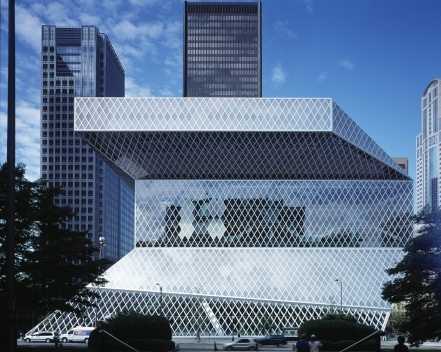Biblioteca Pública, fachada, Seattle. Rem Koolhaas / OMA, 2004<br />Foto Philippe Ruault  [Image courtesy of the Office for Metropolitan Architecture (OMA)]