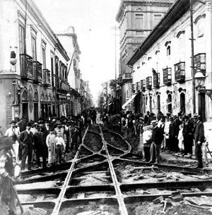 Cruzamento das ruas São Bento e Direita, São Paulo. [TOLEDO, op. cit.]