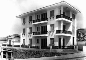 Edifício na  rua Cláudio