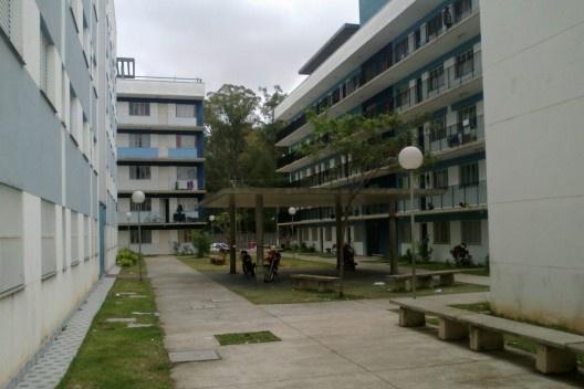 Edifício de apartamentos: cinco pavimentos<br />Foto Victoriano Pedrassa Neto