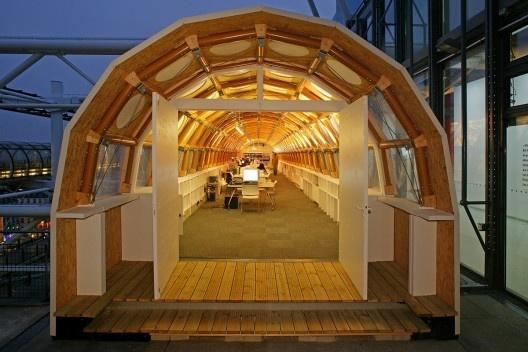 Paper Temporary Studio, Paris, França, 2004. Arquiteto Shigeru Ban<br />Foto Didier Boy de la Tour