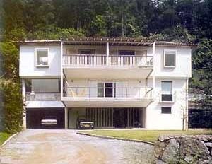 Residência Costa e Moreira Penna, Rio de Janeiro, 1980. Arquitetos Lúcio Costa e Maria Elisa Costa [Lucio Costa. São Paulo, Cosac & Naify, coleção Espaços da Arte Brasileira, 2001]
