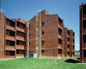 Edifício construído pelo Estado [Acervo Superintendência Gestão de Favelas – CDHU]