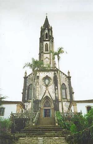 Vista frontal da Igreja de Nossa Senhora Mãe dos Homens <br />Foto Patricia Abreu