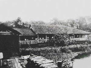 Figura 8: Barracão na Floresta – Amazônia Brasileira [Arquivo pessoal - M. Monte]
