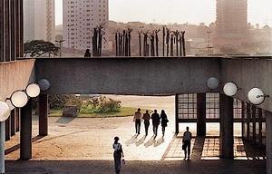 Paço Municipal de Santo André. Arquiteto Rino Levi<br />Foto Nelson Kon