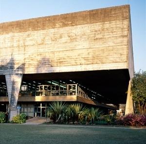 Faculdade de Arquitetura e Urbanismo da Universidade de São Paulo – FAU-USP, São Paulo. Arquitetos Vilanova Artigas e Carlos Cascaldi<br />Foto AG