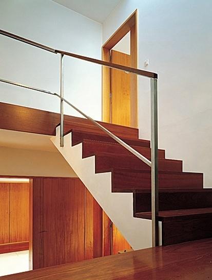 Casa Milhundos, escada acesso aos quartos<br />Foto de Luís Oliveira Santos