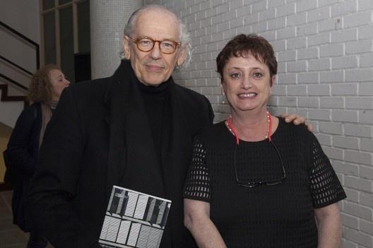 """Roberto Loeb e Helena Ayoub, festa de lançamento do livro """"Abrahão Sanovicz, arquiteto"""", IAB/SP, 22 ago. 2017<br />Foto Fabia Mercadante"""