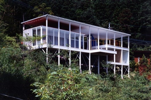 Casa Double-Roof, Yamanashi, Japão,1993. Arquiteto Shigeru Ban<br />Foto Hiroyuki Hirai