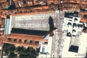 Fig. 9 - Piazza Della Basilica di San Marcos en Venecia [Google Earth]