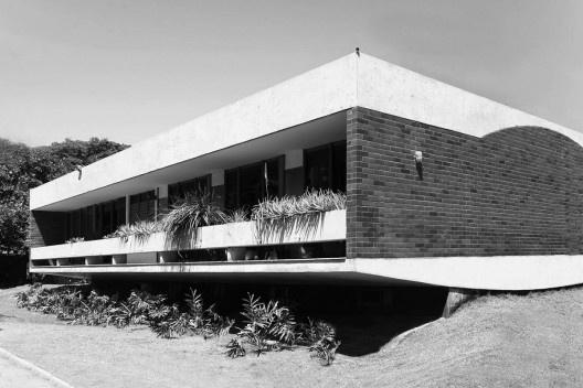 Residência Benedito Macedo, Fortaleza, 1968, arquiteto Acácio Gil Borsói<br />Foto divulgação