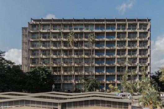 Faculdade de Arquitetura e Urbanismo (1954-1956). Carlos Raúl Villanueva [Flickr Creative Commons]