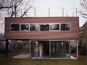 Villa Dall'Ava, 1991-1993, Rem Koolhaas. <www.ugr.es/~jfg/casas/index1.htm> [2006]