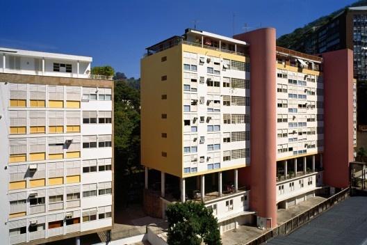 Parque Guinle, Rio de Janeiro, arquiteto Lúcio Costa<br />Foto Nelson Kon