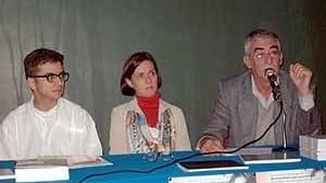 Biblioteca Docomomo: Candido Malta Campos, Mônica Junqueira de Camargo e Antônio Gameiro. (7/10/02)<br />Foto Hugo Segawa