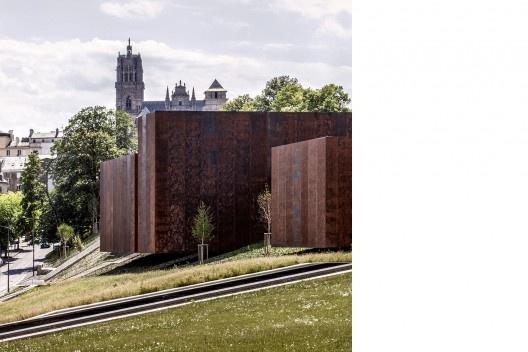 Museu Soulages, 2014, Rodez, França.  Em colaboração com G. Trégouët<br />Foto Hisao Suzuki