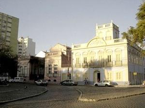 As mesmas casas em fotografia atual