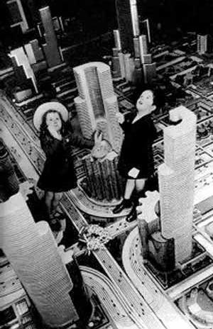 Estudos para o pavilhão da General Motors  Futurama. Word's Fair de 1939 [PICCHI, Francesca. Esposizione Universale di New York. In: Domus, Milano, dez. 1999.]