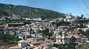 """Ouro Preto, MG. Um exemplo histórico de composição anônima executada de modo a dar lugar à arquitetura projetada. Uma possível referência de leitura rumo à projetação através de um pragmatismo construtivo """"artesão"""""""